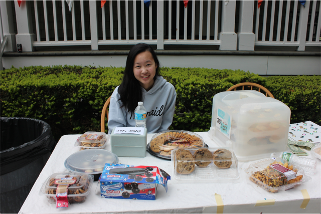 Chloe Gold running the bake sale