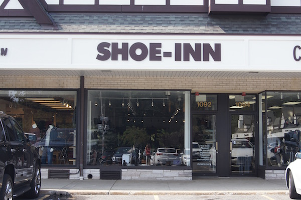 shoeinnsign